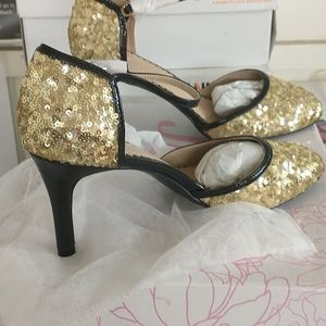 8 1/2 Gold Sequin High Heels by TG
